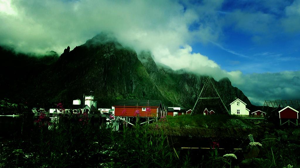 Лофотены. Свольвер. Деревня Å. Рыбный стол Норвегии 01