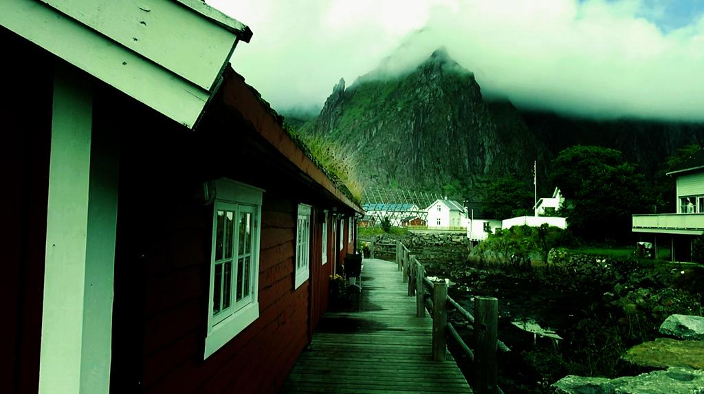 Лофотены. Свольвер. Деревня Å. Рыбный стол Норвегии 02