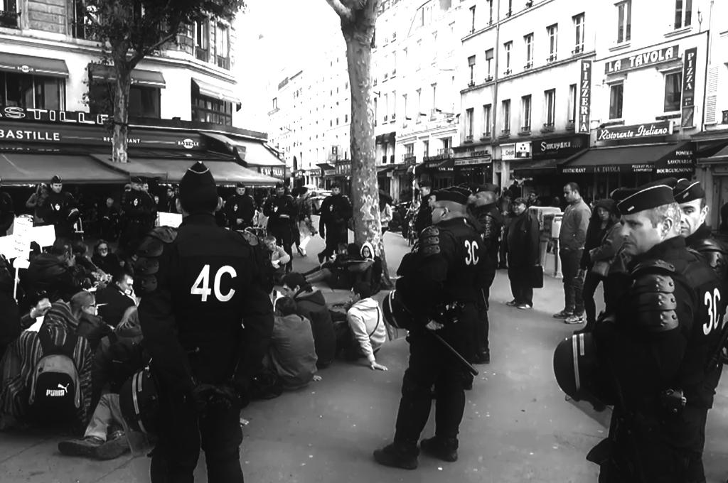 Демонстрации в Париже